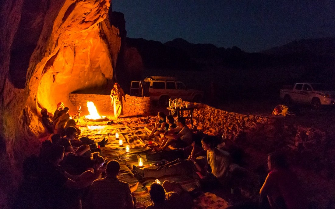 sleeping under the stars with wadi rum nomads